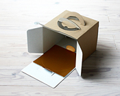 クラフトホールケーキ箱にピッタリお似合いのかわいい紙トレー