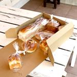 パンのギフト用途や配送をお考えの店舗さまにぴったりのパンの箱にも使えるハコデコ・ユーニ