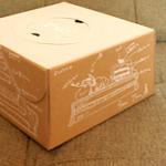 コーディネートできるケーキ屋さんにおすすめのホールケーキ箱、シフォンケーキ箱です。